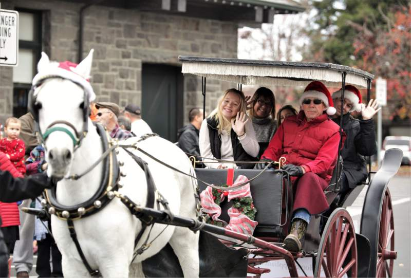 Holiday Carriage Rides In Santa Rosa's Railroad Square